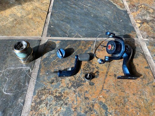 disassembled 2000 size spinning reel