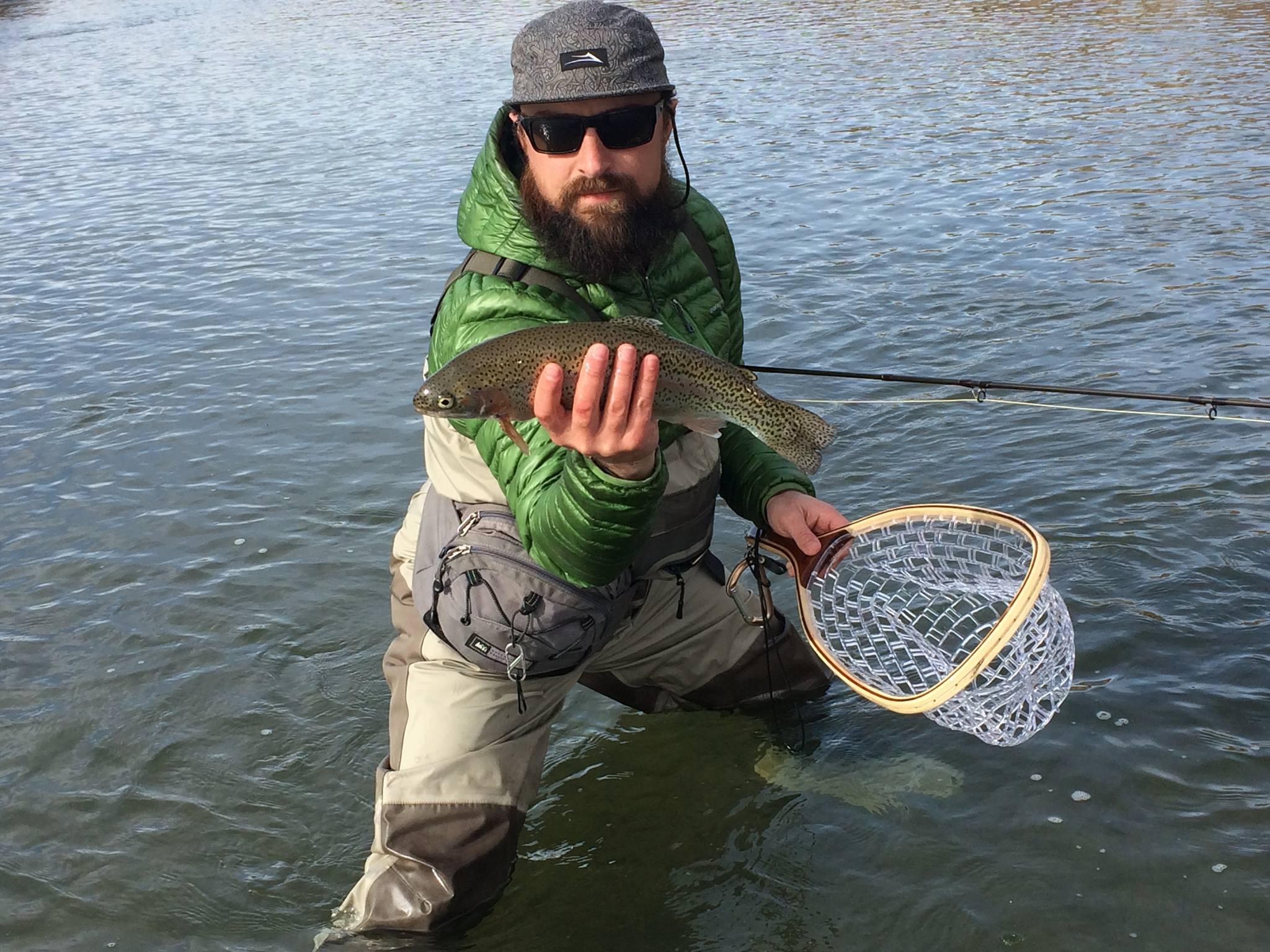 Fly-fishing-with-hip-pack